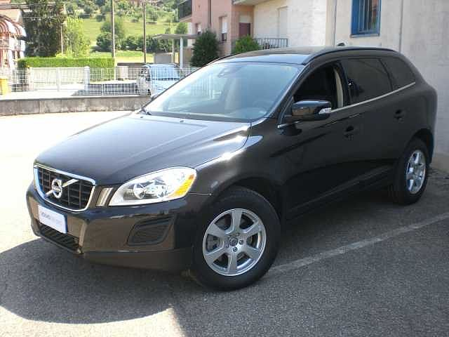 Volvo XC60 (2008--->) D4 Geartronic Momentum 'N1'